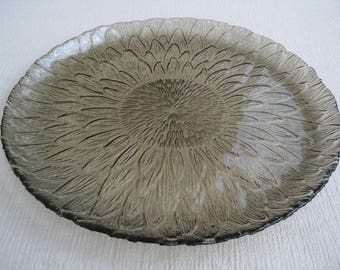 Vintage 1970's Large Marguerite Sunflower Taupe Brown Glass Plate Arcoroc France