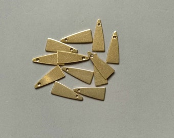 200pcs Raw Brass Triangle Charms With a hole, Findings 14mm x 5.5mm - F119