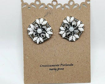 Alexandra white and silver studs earrings