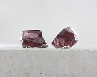 garnet earrings / garnet jewelry / january birthstone / pink stone studs / birthstone earrings / gemstone studs / birthstone jewelry