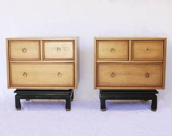 American of Martinsville Pair of Vintage Nightstands / Mid Century Nightstands / Chinoiserie / Side End Table