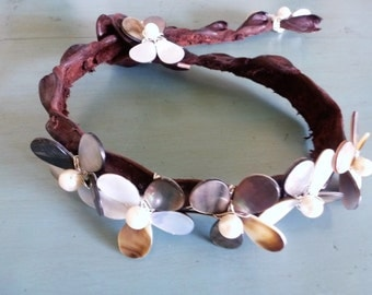 Funky Flower Croc Choker - a strip of crocodile leather and silver wire wrapped abalone and pearl flowers - snap it up!