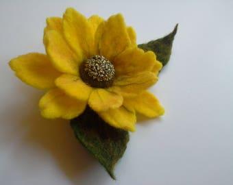 Felt Brooch, Yellow Wool Felt Sunflower,  Felt Flower Pin, Green Pin, Wool Brooch, Gift for her, Handmade, Green Yellow  Flower