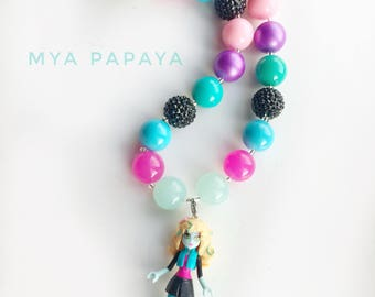 Chunky bead necklace with a Monster High pendant - Lagoona 20mm beads