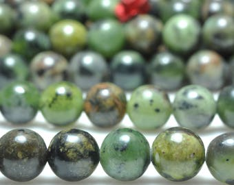 62 pcs of Natural Detrite Green Jade smooth round beads in 6mm (06186#)