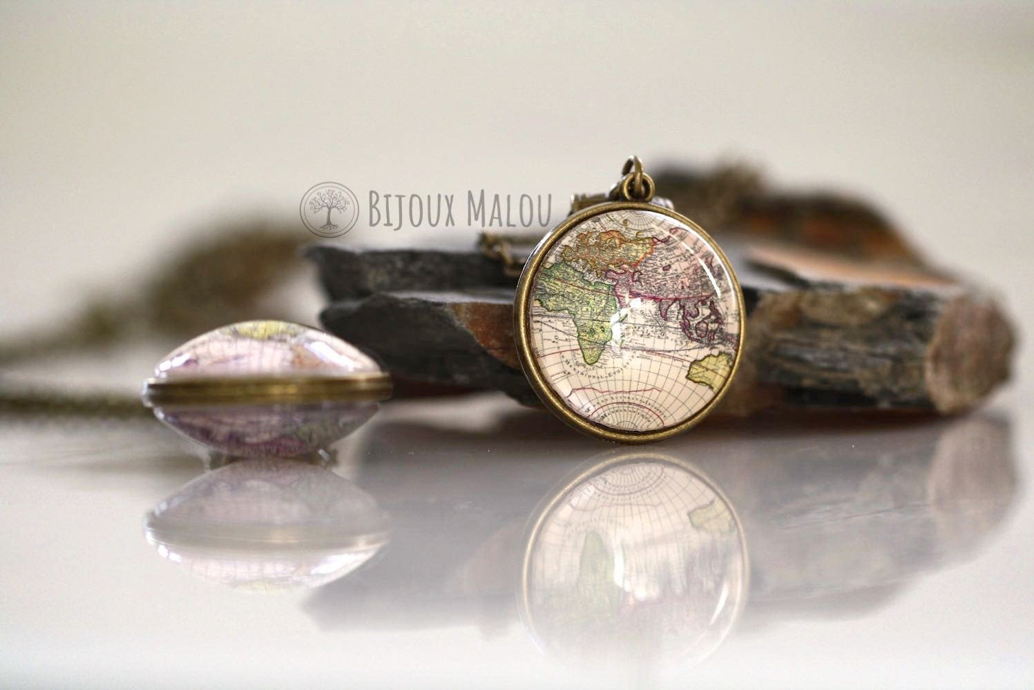 Double Sided Antique World Map Necklace Bronze Picture