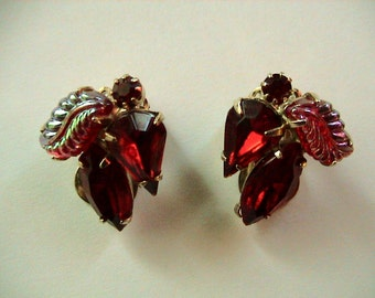 Weiss Ruby Rhinestone Clip-on Earrings (339)