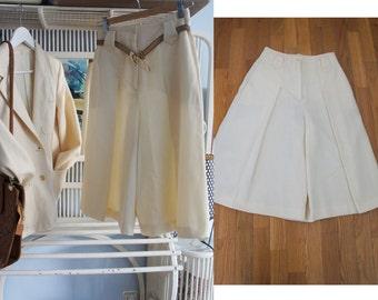 80s vintage gaucho pants. Ivory wool 80s vintage gaucho pants.