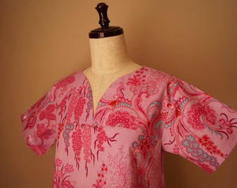 Jennifer Paganelli Crazy Love JoAnn pink Scrub top size small (2-4),