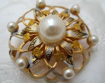 VINTAGE 1950s Goldtone Spanish Damascene FLOWER Brooch