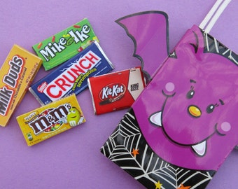 5 Piece RANDOM HALLOWEEN Candy Assortment with FREE Cute Bat Trick or Treat Bag - Handmade Gourmet Doll Food For Your American Girl Doll