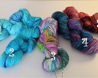 DK weight Sock Yarn superwash wool/nylon ALEVÄRIT!!!