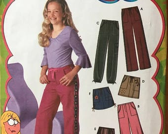 SIMPLICITY Pattern 5322 Lizzie McGuire Style Girls Pants and Skirt Girls' Plus Size 8-1/2 to 16-1/2 - NEW and UNCUT