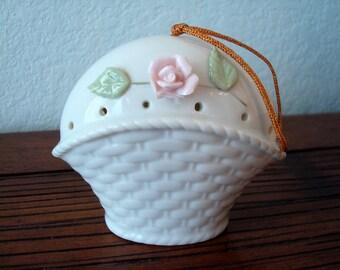 Vintage Basket of Flowers Ceramic Potpourri Sachet/Pomander - Sweet Vintage!!