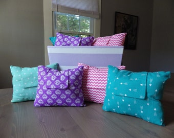 Snoozy Pillow - A Cozy Pillow with Pocket - Organic Lavender/Chamomile Sachet