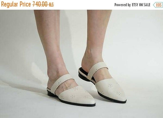 Flat shoes, Leather mules, Womens shoes, White shoes, Leather women shoes, closed toe mules, Bridal flat shoes, Wedding shoes flats mules
