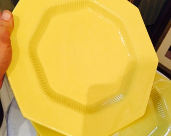Vintage Nikko Yellow Dinner Plates in Daffodil - Set of 3