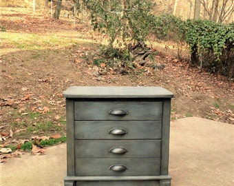 Gray Nightstands / Weathered Gray Nightstands / Solid Oak Nightstands / Painted Nightstands / Gray Bedside Tables / Gray End Tables
