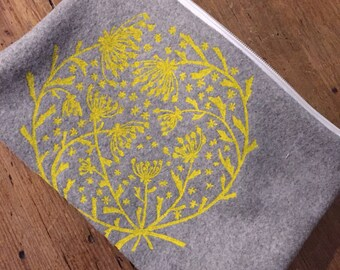 Summer flowers pouch