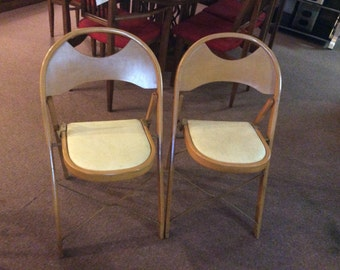 Pair of Vintage Louis Rastetter & Sons Co. Solid Kumfort Folding Chairs