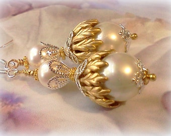 Shell Pearl Earrings, Shell Pearl Jewelry, Designer Earrings, Swarovski Pearls, Bridal Jewelry, Elegant Dangle Earrings, Vintage Style, Chic