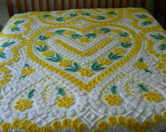 FREE Shipping Lemon hearts VINTAGE Chenille Bedspread EXCELLENT