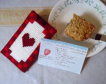 """Plastic Canvas: """"Heart of the Kitchen"""" Recipe Holder"""