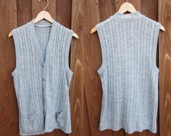 Soft Grey Cable Knit Sweater Vest Button Down with Pockets Cardigan Vest Sz M/L