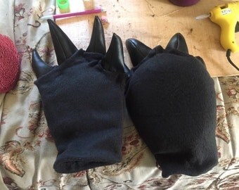 Custom cosplay/fursuit gloves + sleeves