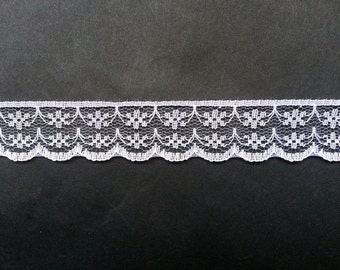 "10 Yards of White Lace Ribbon/ White Lace Trim 0.87"" (2.2 cm)"