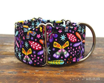 Martingale dog collar model Dragonflies. Adjustable and handmade with 100% cotton fabric. Butterflies, dragonfly, colorful. Wakakan