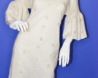 Vintage Estate Off White Cream Embrodiered Floral Design Circular Flounce Sleeve 1950s Dress