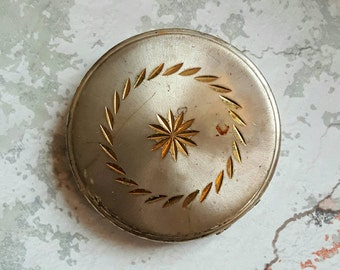 Vintage compact - ladies compact - gift for mom - vintage cosmetics - mirror compact - powder compact - vintage vanity - compact