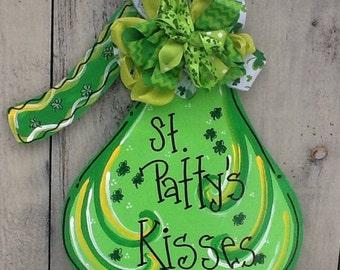St. Patty's door hanger, st. Patricks door hanger, Irish door hanger, luck of the Irish sign, candy kiss sign, hugs and kisses sign,