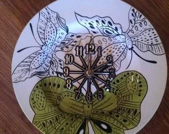 Butterfly World 10 1/2 Inch Clock -