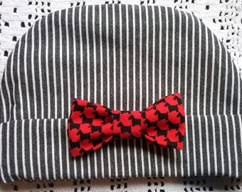 Baby Beanie, Grey and White Beanie with Detachable Red Bow, Baby Hat, Baby Knit Hat, Newborn Baby Hat, Striped Baby Hat, Baby Gift, Baby Hat
