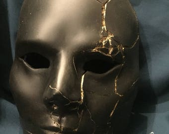 Shattered Doll Mask - Midas Touch