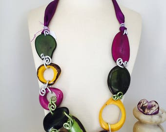 Vegetable ivory necklace