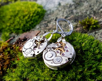 Steampunk Earrings with small mechanical vintage watch movements.Clockwork earrings,Watch earrings,Steampunk earrings,Christmas gift for her