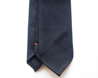 Dark navy flanel wool hand rolled untipped tie