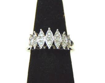 Womens Vintage Estate 10k White Gold Ring w/ Diamonds 3.4g E940