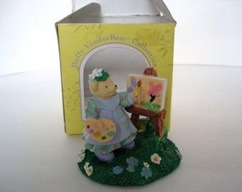 Muffy VanderBear Gibearny Figurine Muffy VanderBear Collection