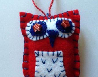 Felt Owl Ornament - Red/White