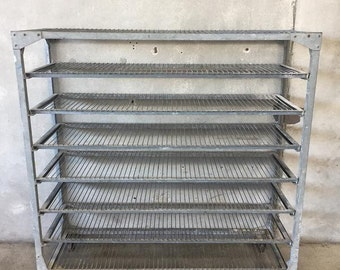 Antique Industrial Steel Bakers Rack (N35UZC)