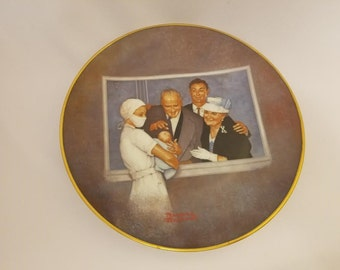 NORMAN ROCKWELL New Arrival American Family Series Collectible  Plate, USED