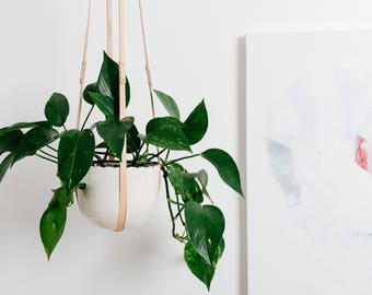 Hanging planter - ceramic and leather - Goye x Tandem