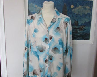 Vintage Gilda of Californa blue/grey/black fan print blouse