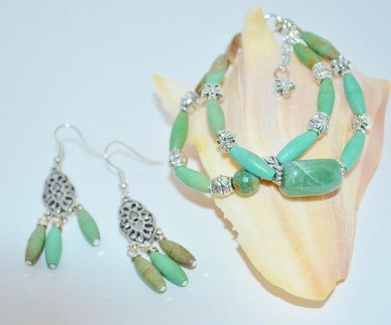 Bracelet & Earring Set Turquoise, Turquoise Magnesite Bracelet and Earrings, Flower Bead Bracelet, Green Stone Bracelet, 2 Strand Bracelet