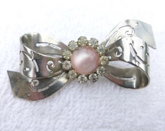 Coro Brooch silver tone bow with pink moon glow center AE53