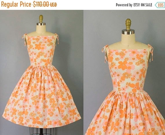 SALE 15% STOREWIDE 1950s floral sundress with tie shoulders/ 50s novelty print spaghetti strap dress/ small